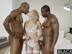 Geiler interracial Dreier mit Dakota James